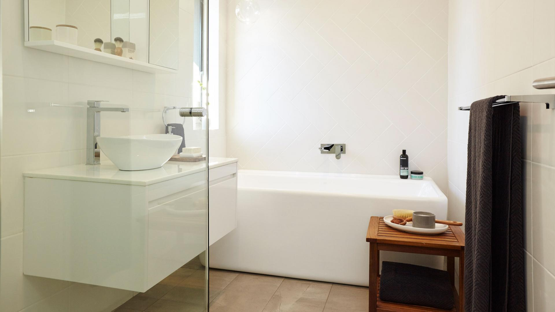 Bathroom renovations melbourne eastern suburbs facelifts renovations fixtures Small bathroom design melbourne
